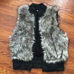 Faux fur Loft Medium Petite vest